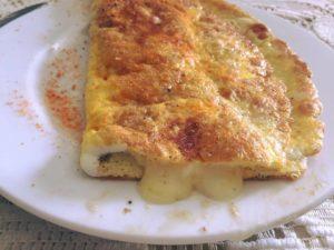 بيض مقلي محشو متزاريلا